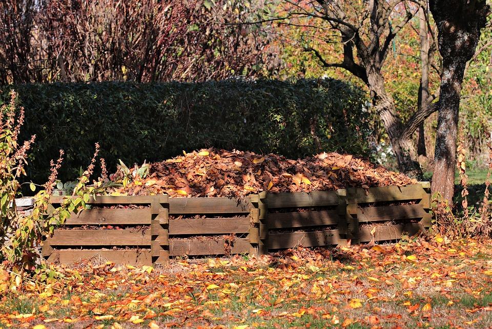recycler déchets organique compost en tas